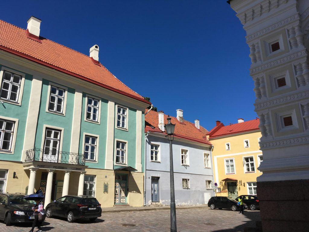 tallinn colorful buildings 1