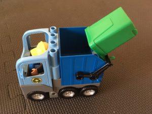 lego duplo trash truck