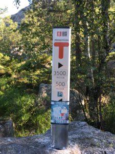 preikestolen trail marker