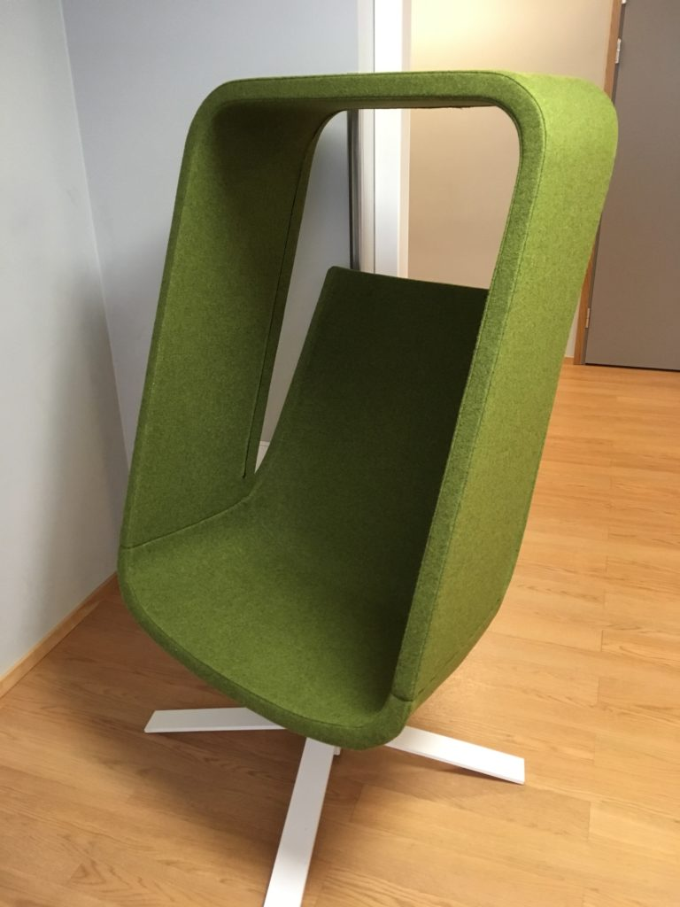 Mehilainen nursing chair