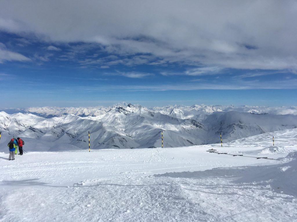 ドゥザルプ山頂からの眺め