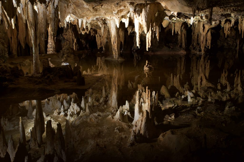 ルーレイ洞窟の地底湖