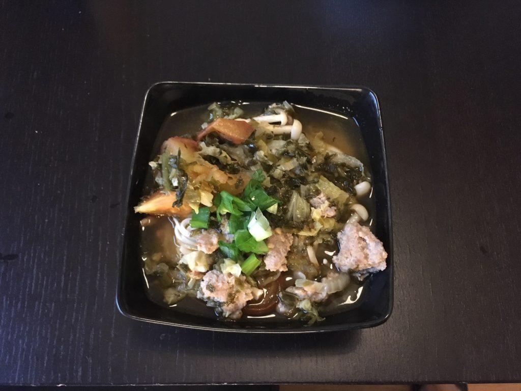 雪菜トマト豚肉麺