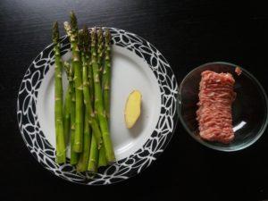 アスパラガス豚ひき肉雪菜炒めの材料