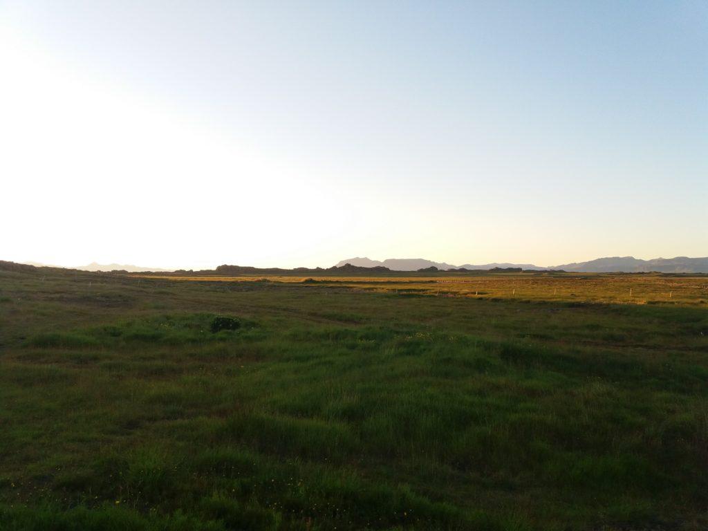 広大なアイスランドの荒野に宿泊