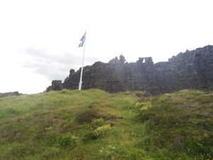 シンクヴェトリルに翻るアイスランド国旗