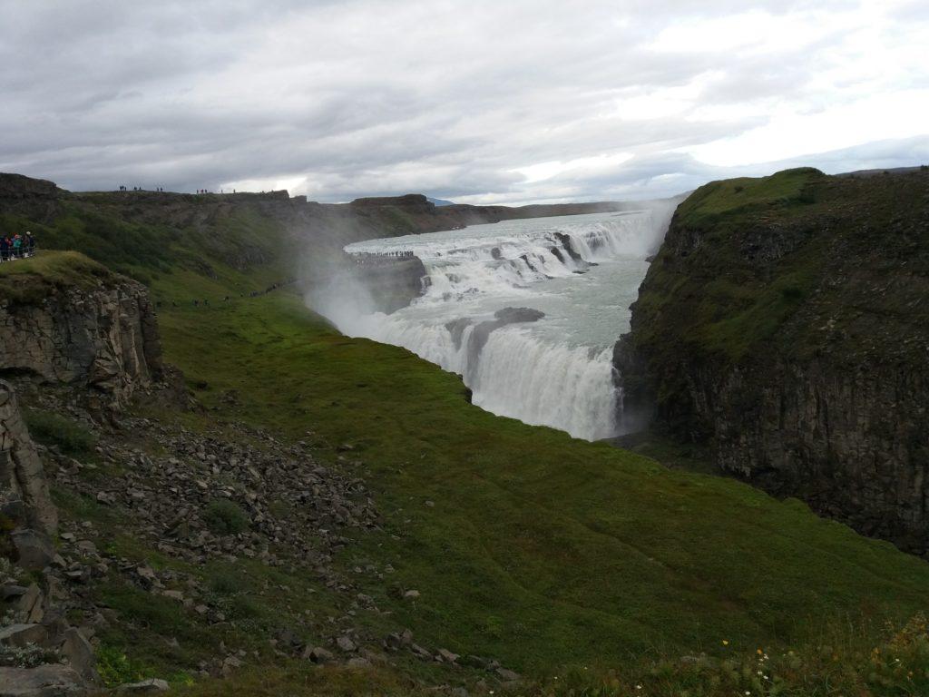 下側の滝のビューポイント
