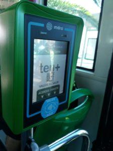tenerifeのバスカードの降車時読み込み機