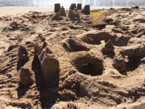 テネリフェビーチで砂遊び